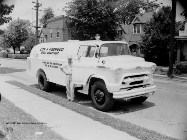 1957-7-10: Harris Ave.
