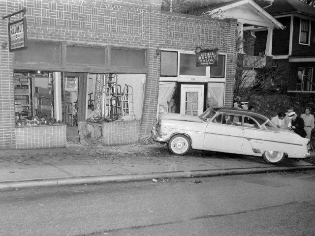 1958-11-15: Hopkins 1700 block