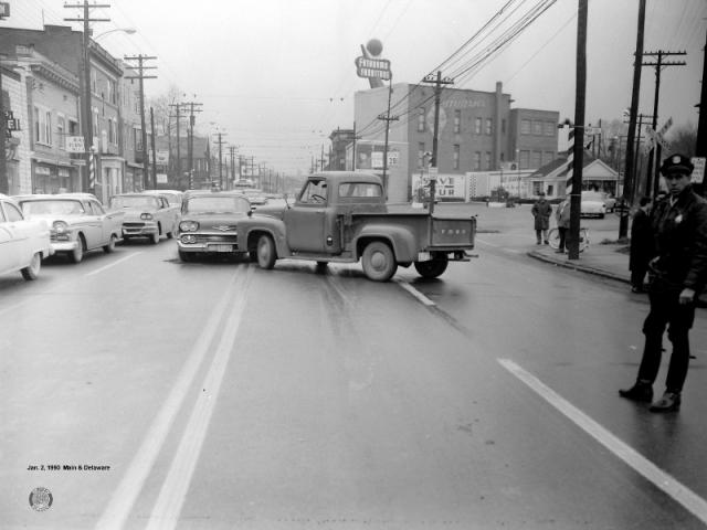 1960-Jan: Main and Delaware