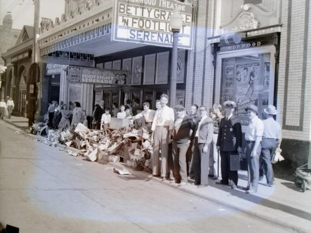 1942: Norwood Theater